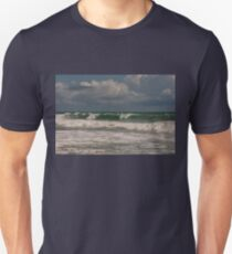 Ocean waves Unisex T-Shirt