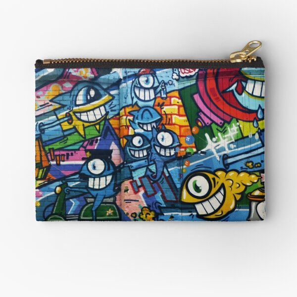 GROUP OF FISHES ENJOYING Zipper Pouch
