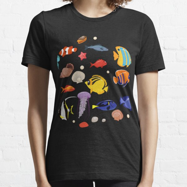 Underwater Plants And Cute Fish Essential T-Shirt