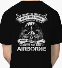airborne infantry mom airborne jump wings airborne badge airborne brot Classic T-Shirt