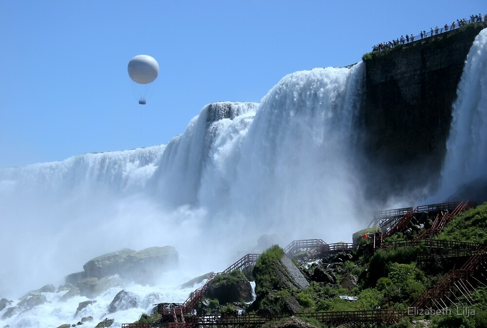 Balloon Ride Over Bridal Veil Falls by Elizabeth  Lilja