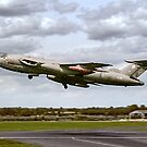 Handley Page Victor K.2 XL188 by Colin Smedley