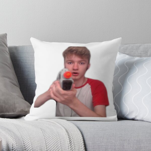 vloggun tommy Throw Pillow
