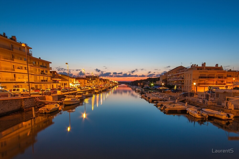 Sunset in the port by LaurentS