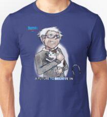 Bernie Sanders hugging a cat. T-Shirt