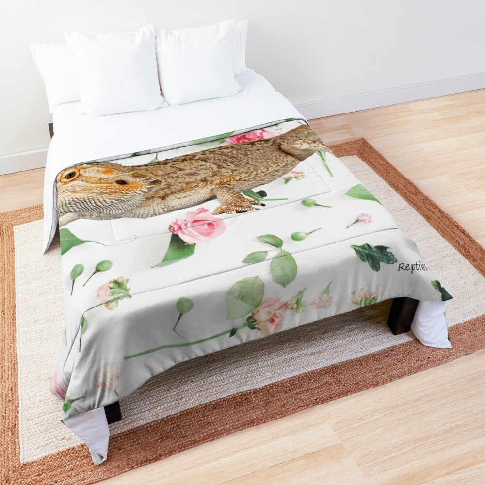 Bearded Dragon On A Carnation Background Comforter