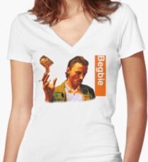Begbie throws Glass of Beer - Scene from Trainspotting T-Shirt Women's Fitted V-Neck T-Shirt