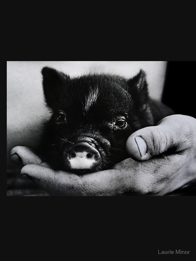 Piglet in Palm by LaurieMinor
