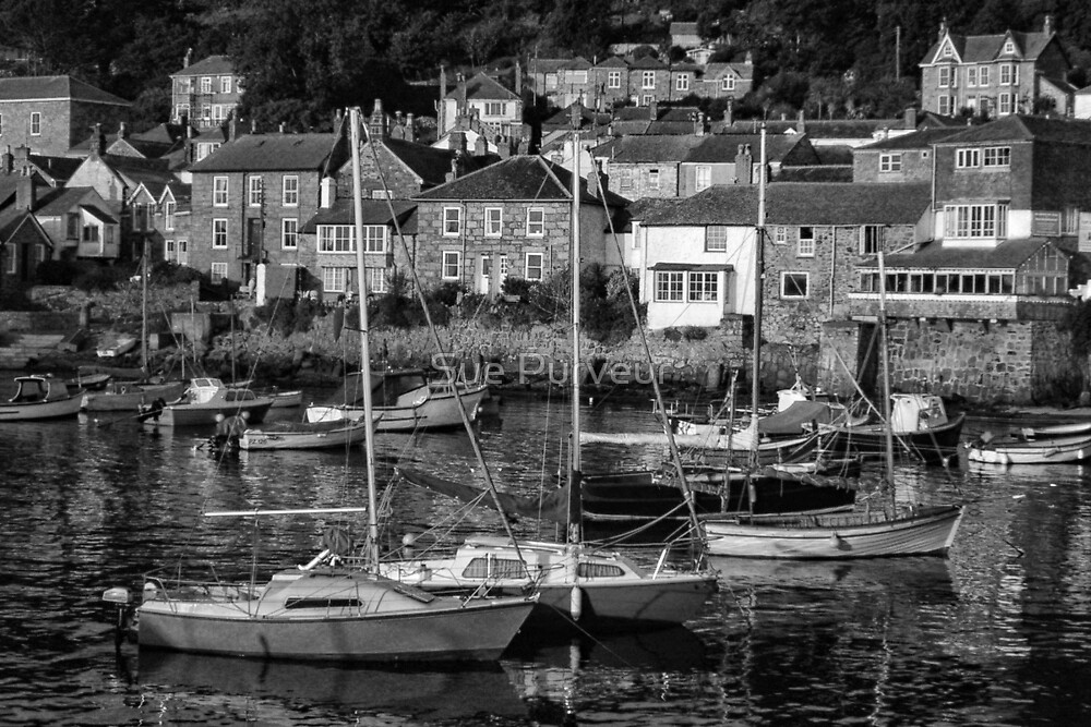 Mousehole harbour by Sue Purveur
