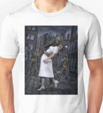 Zombies Kiss  T-Shirt