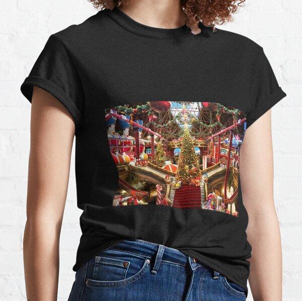 Santas Workshop - Christmas Holiday Art Classic T-Shirt