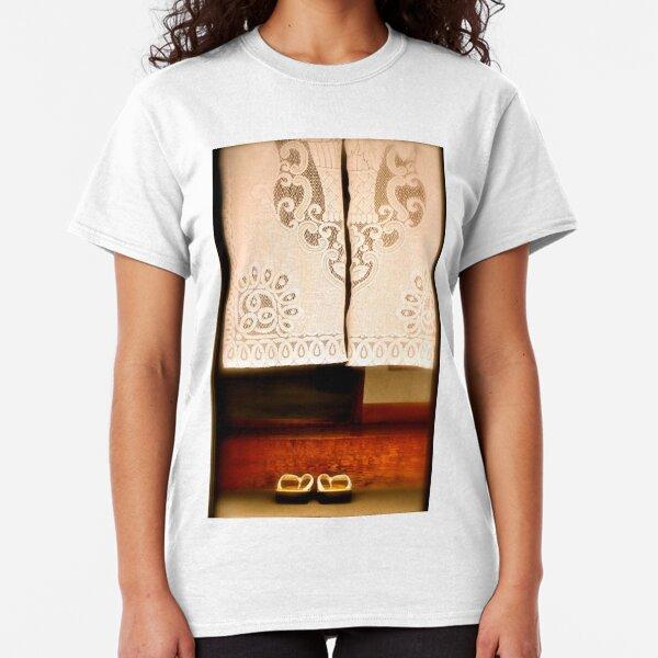Irrashaimase Classic T-Shirt
