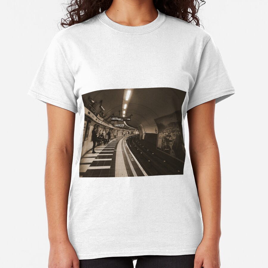The Art of London Underground - Bakerloo Line at Waterloo Station Classic T-Shirt