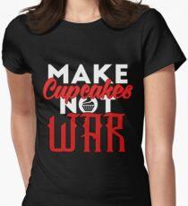 Make cupcakes not war T-Shirt