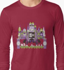 Is This Small World Actually Stretching? Long Sleeve T-Shirt