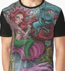 WARRIOR QUEEN OF THE SEA Graphic T-Shirt