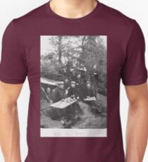 Unpublished 05 (n&b)(t) Villa dream ! 1915 (on the front photographs ever published 1914-1918 war photos and Tribute to my 2 great Uncles Clerté-Fayolle and Eugéne Pellafol died in 1915  Unisex T-Shirt