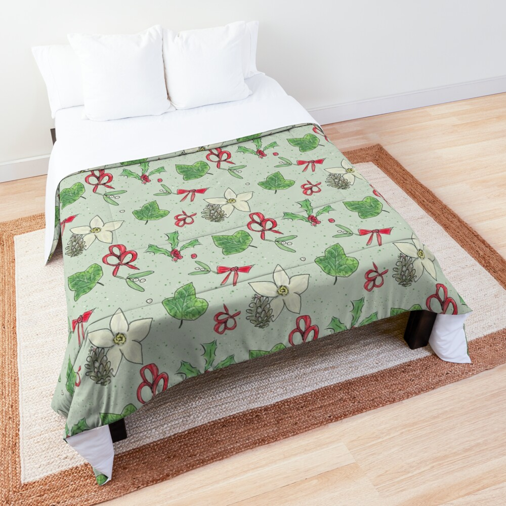 Cute and Whimsical Christmas Leaf and Berry Design Comforter