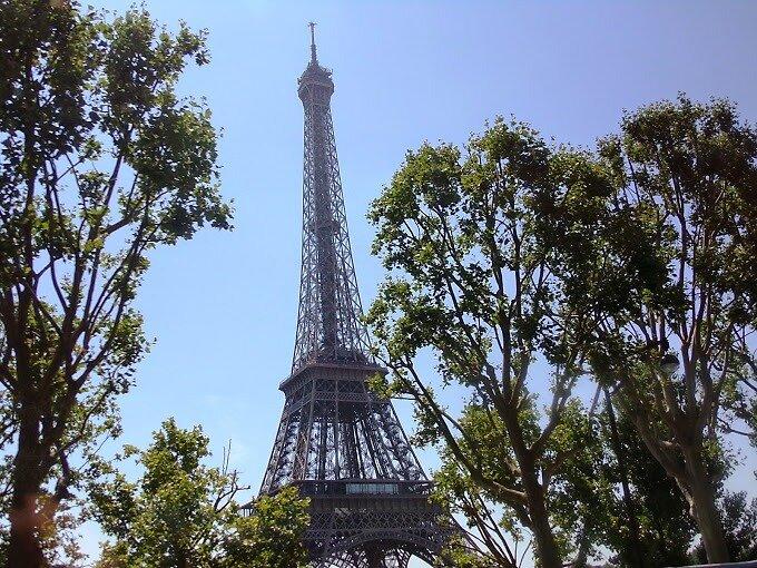 Eiffel Tower by vandixonc