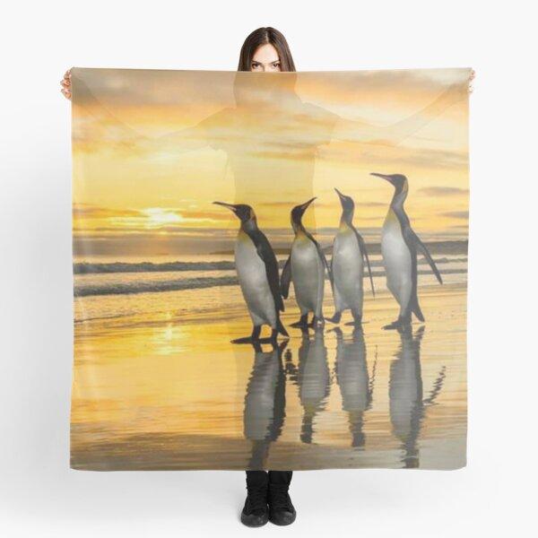 Pinguïns at the beach  Scarf