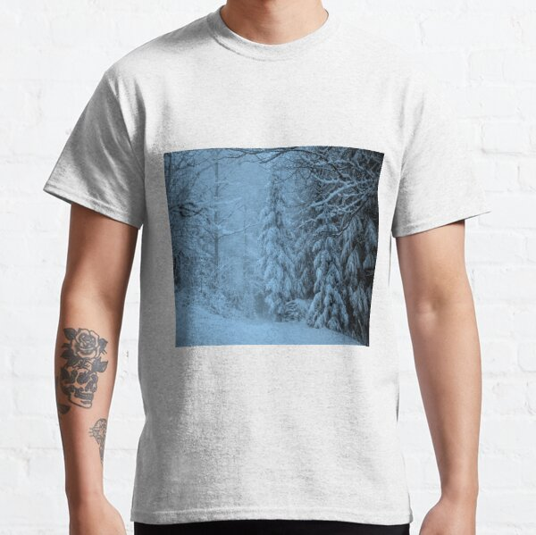 Beautiful snowy evening Classic T-Shirt