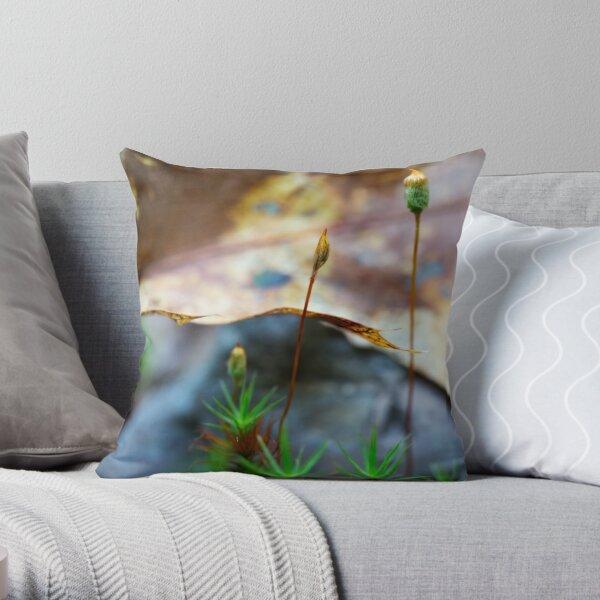 spring moss Throw Pillow