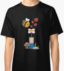 Bee in love Classic T-Shirt