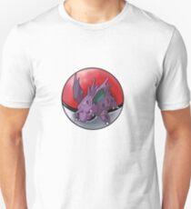 Nidorino pokeball - pokemon T-Shirt