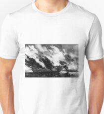 Burning of the U.S. ship of the line Pennsylvania - 1861 - Currier & Ives T-Shirt