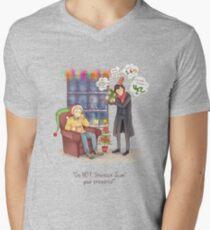 Sherlock's Santa Scan Men's V-Neck T-Shirt