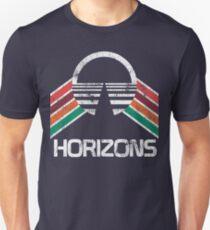 Vintage Horizons Distressed Logo in Vintage Retro Style T-Shirt