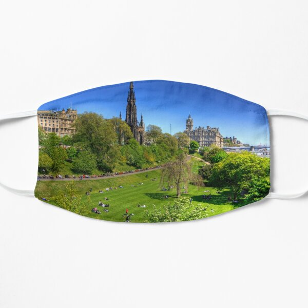 Spring day in the park Flat Mask