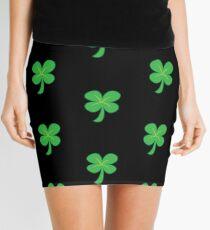 Grüner Kleeshamrock für St Patrick Tag niedlich! Minirock