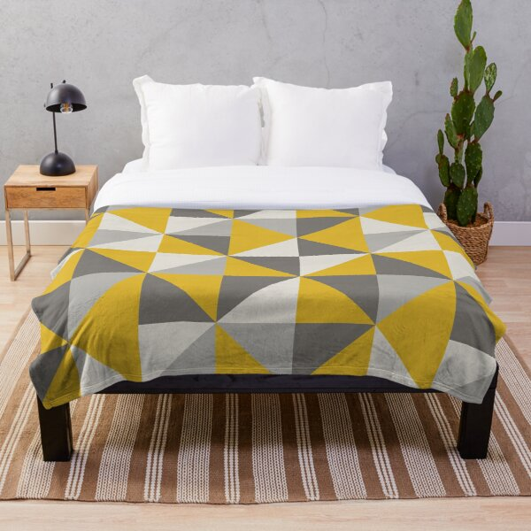 Retro Triangle Design in Yellow and Grey Throw Blanket