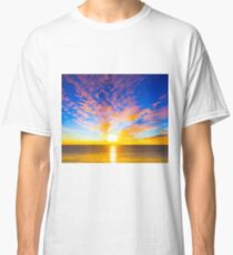 Beautiful sunset over the ocean Classic T-Shirt