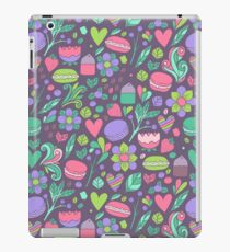 Macarons and flowers iPad Case/Skin