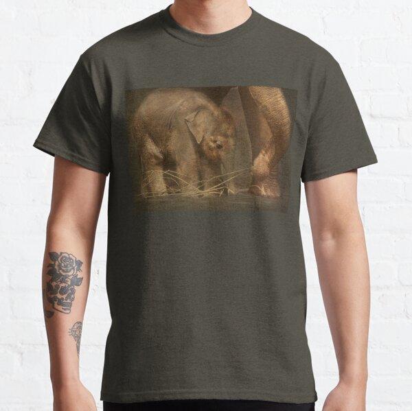 Close to mom... Classic T-Shirt