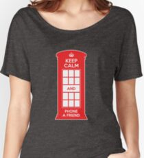 Keep calm and phone a friend. UK London Women's Relaxed Fit T-Shirt