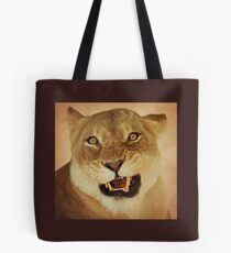 angry lioness Tote Bag