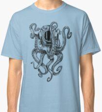 Octopus Scuba Diver Helm Classic T-Shirt