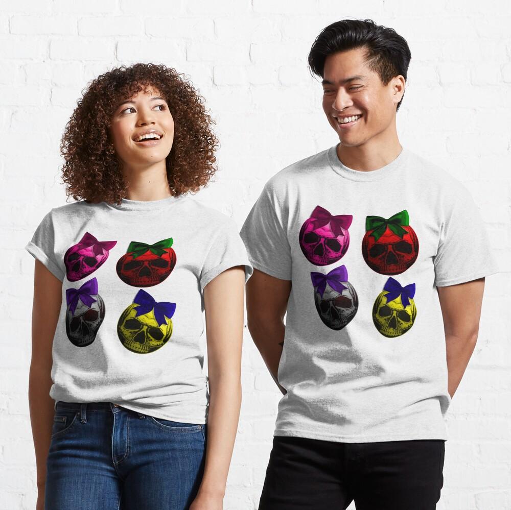 Skull Bauble - Christmas Ornament Pattern Classic T-Shirt