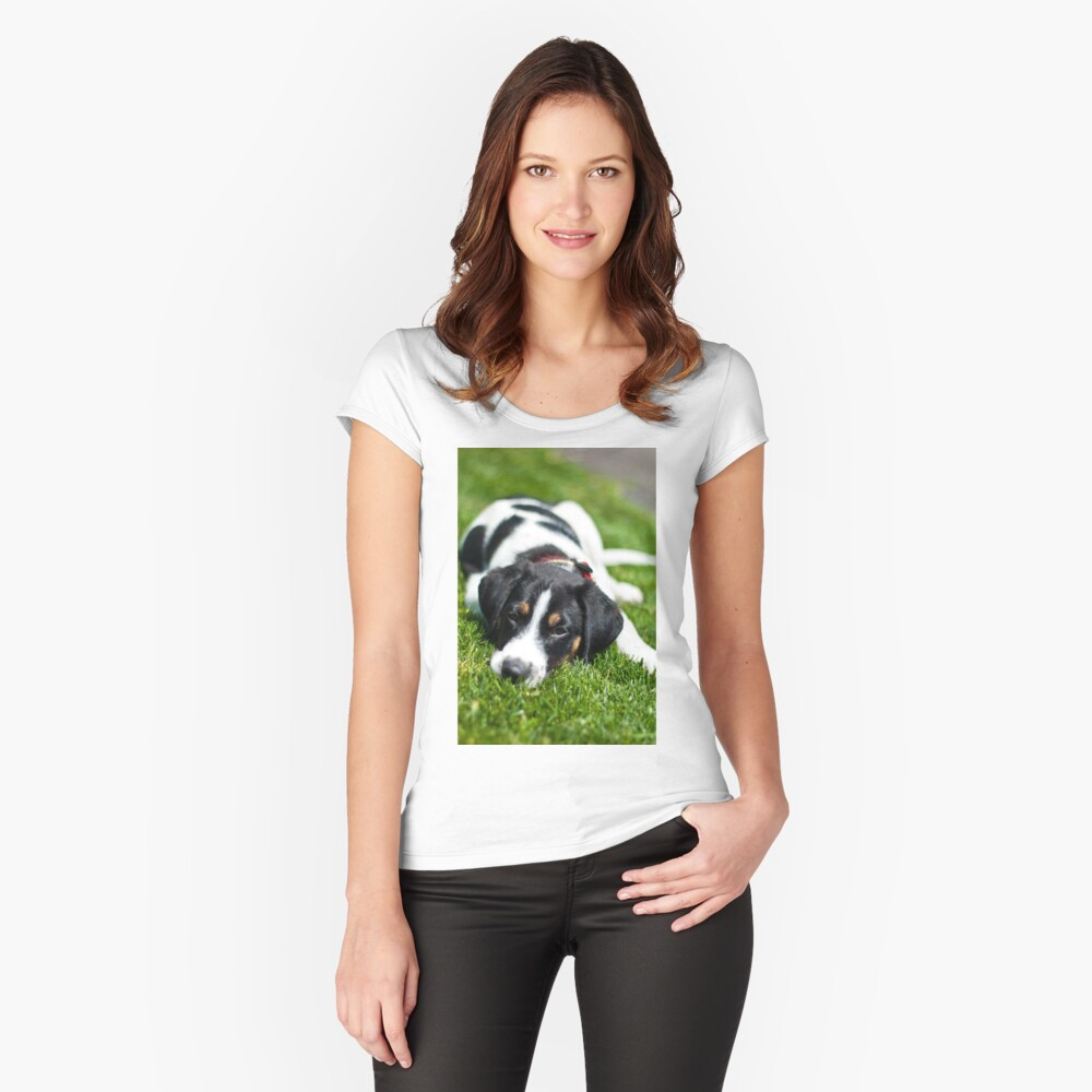 Puppy in the grass Fitted Scoop T-Shirt