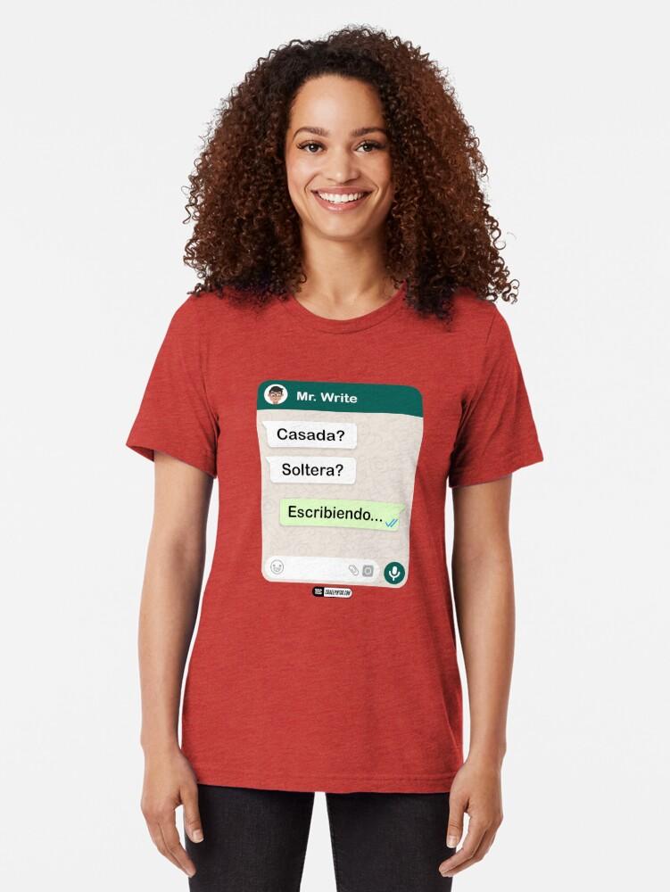 Vista alternativa de Camiseta de tejido mixto Casada? Soltera? Escribiendo... Para mujeres hetero