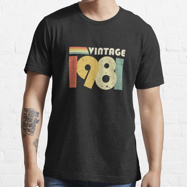 Vintage 1981, 40th Birthday Gift Distressed Design Essential T-Shirt
