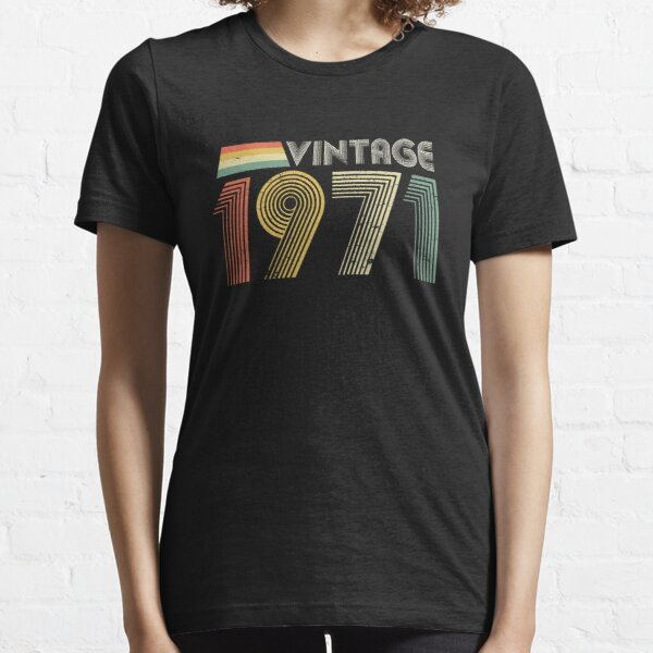 Vintage 1971, 50th Birthday Gift Essential T-Shirt