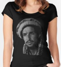Camiseta entallada de cuello ancho Camiseta Massoud