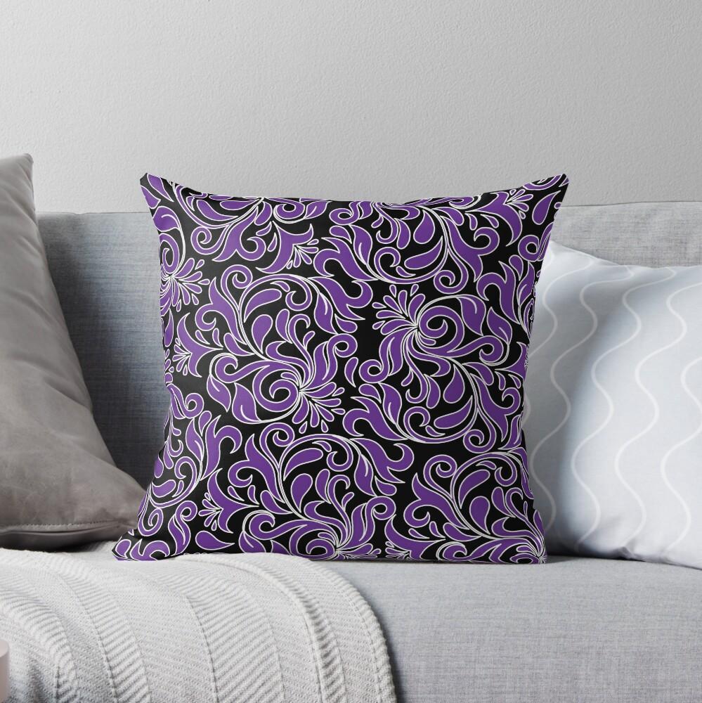 Purple And White Damask Cojín