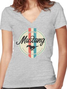 Mustang retro Women's Fitted V-Neck T-Shirt