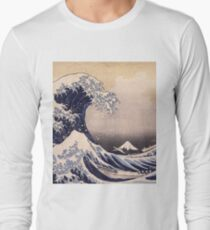 Katsushika Hokusai - The Great Wave Off the Coast of Kanagawa 19th century . Japanese Seascape Long Sleeve T-Shirt