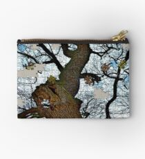 Old tree puzzle Studio Pouch